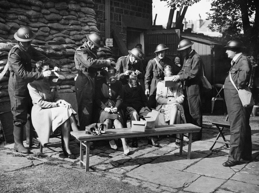 Issue of gas masks to British civilians, 1940
